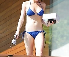 Pictures of Lindsey Lohan pants toe